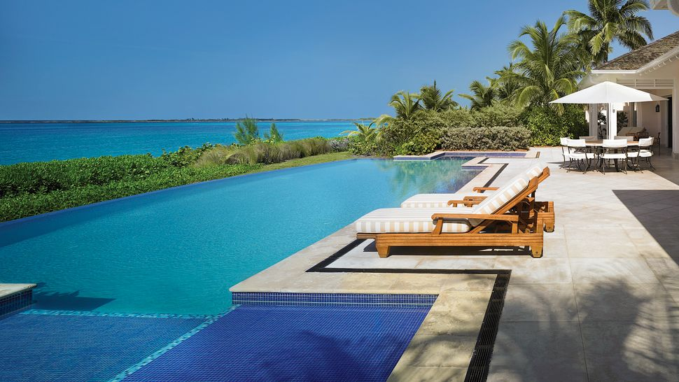 Hotel outdoor pool design  1318124203Horizon.jpg